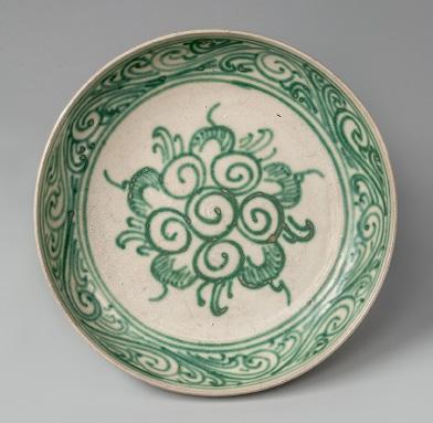 白釉緑彩花文盤(ミャンマー)
